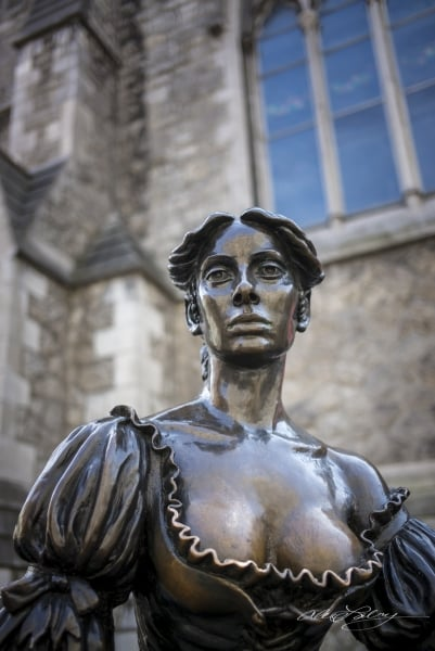 """Molly Malone, aka """"The Tart with the Cart"""""""