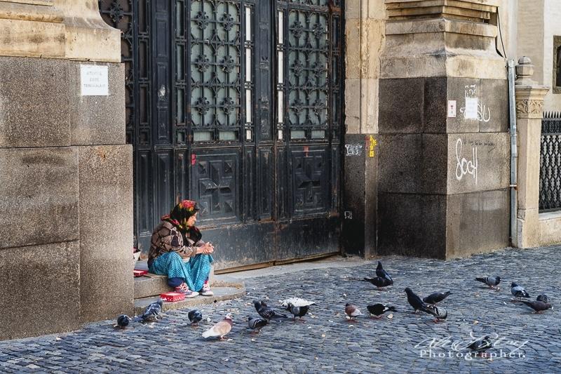 Pigeon feeder, Bucharest Old City
