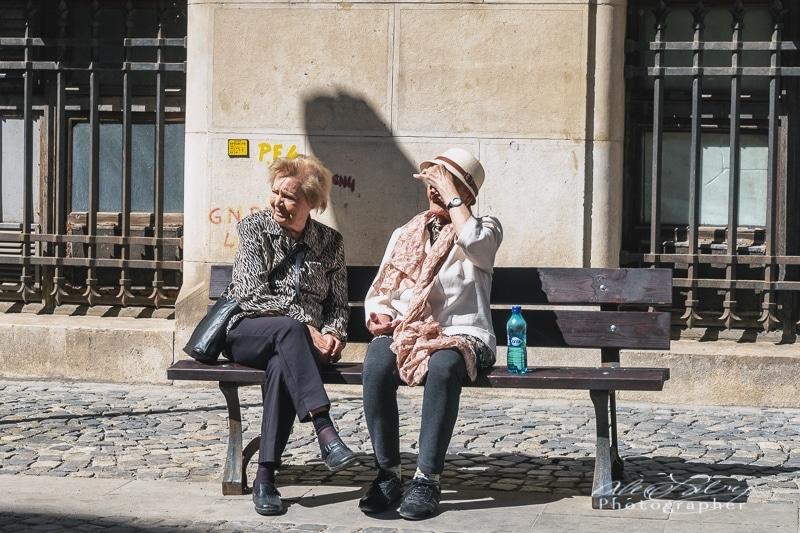 Bucharest bench warmers