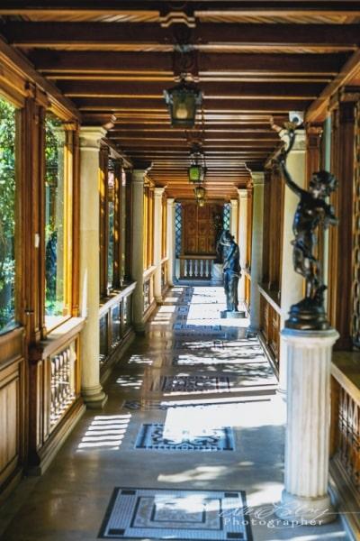 Entrance to Nicolae Ceaușescu mansion, Bucharest